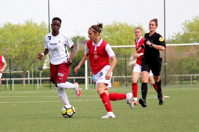 Le Stade De Reims Feminin Accroche Metz Promu En D1 Sport Club